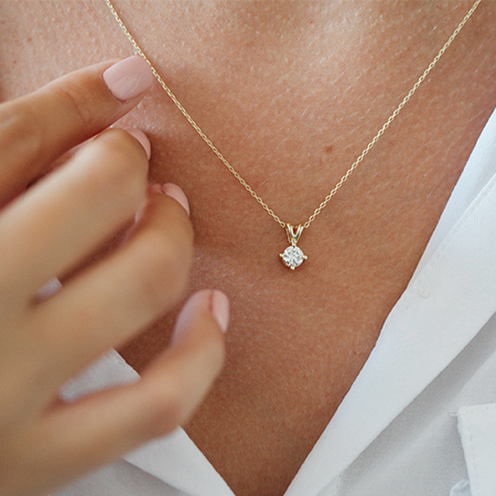 Clemence- Single diamond necklaces